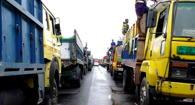 ঢাকা-টাঙ্গাইল-বঙ্গবন্ধু সেতু-তীব্র যানজট